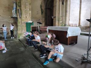 En visite au musée de l'abbaye de Daoulas